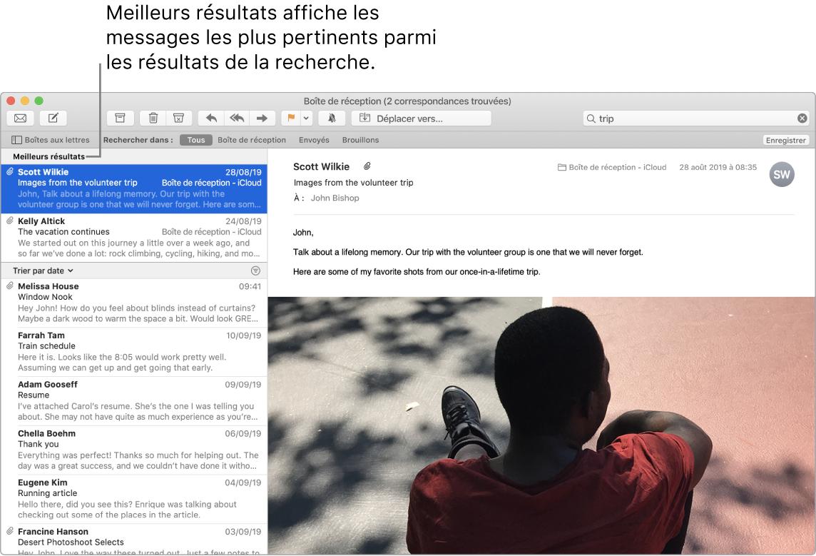 Une fenêtre de Mail affichant les meilleurs résultats en haut de la liste, suivis par d'autres résultats.