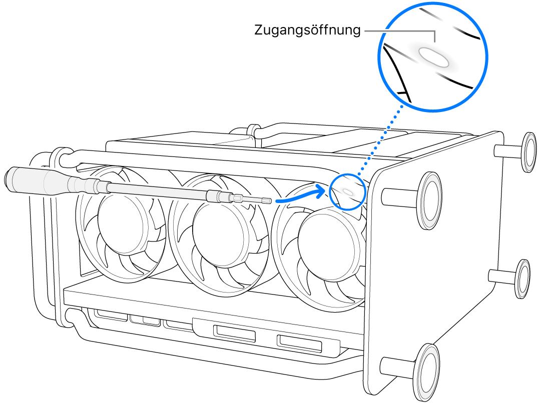 Auf der Seite liegender MacPro mit einem flexiblen Schraubendreher, der auf die Öffnung weist.