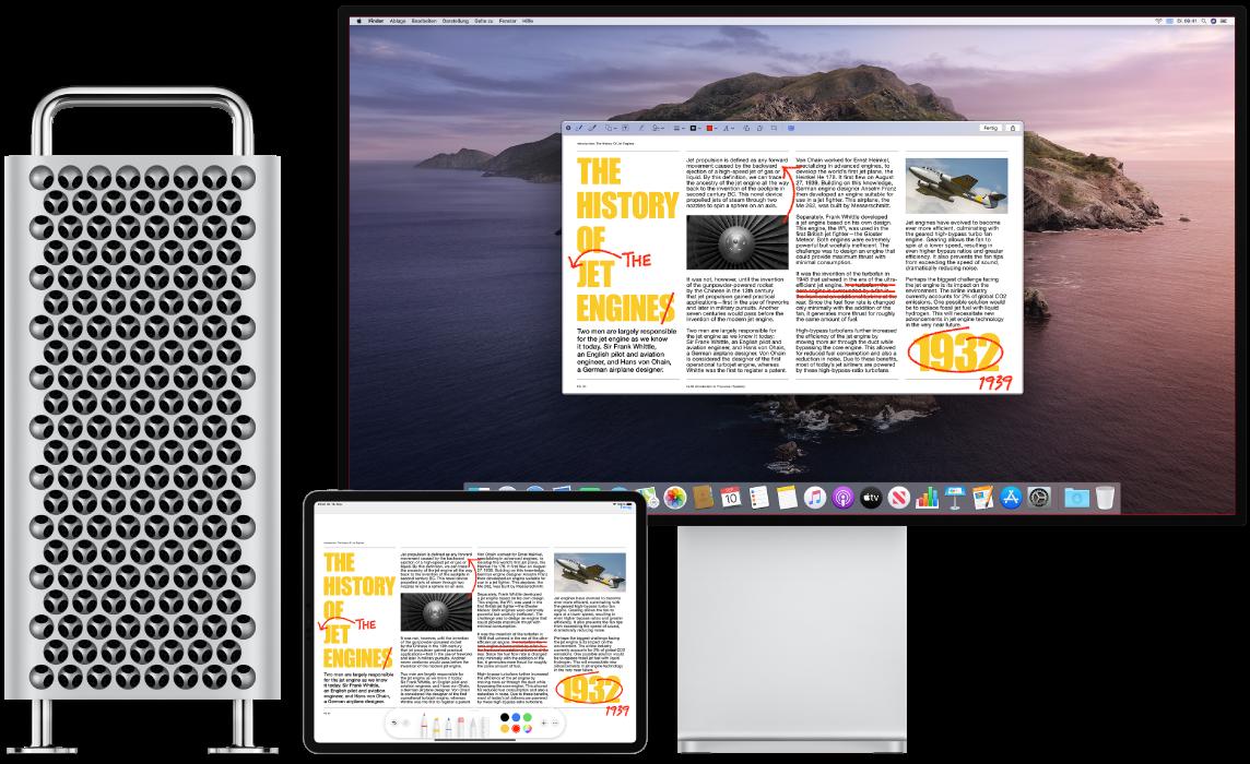 Ein MacPro und ein iPad nebeneinander. Auf beiden Bildschirmen wird ein Artikel mit roten Markierungen wie durchgestrichenen Sätzen und hinzugefügten Wörtern angezeigt. Auf dem iPad-Bildschirm werden unten Steuerelemente für Markierungen angezeigt.