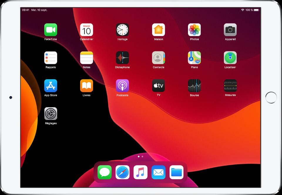 Écran d'accueil de l'iPad avec l'apparence sombre activée.