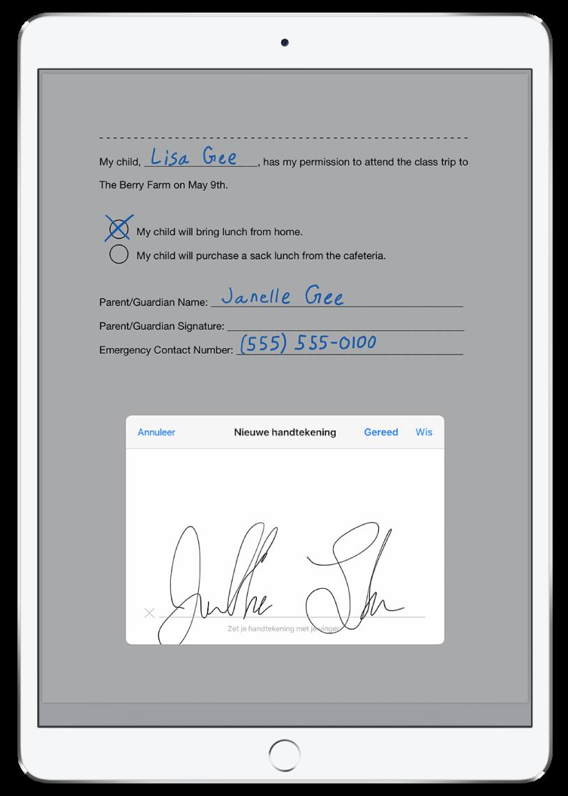 Een pdf die met de ApplePencil wordt ondertekend. Achter het nieuwe handtekeningenpaneel is een briefje te zien met toestemming om een kind mee te laten gaan met een schoolreis.