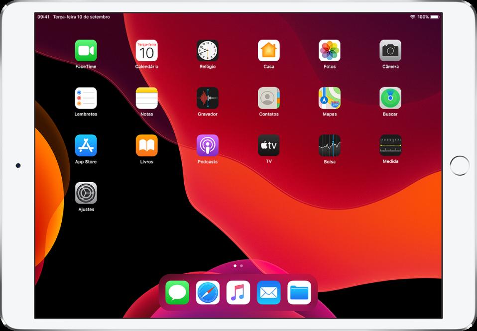 A tela de Início do iPad com o Modo Escuro ativado.
