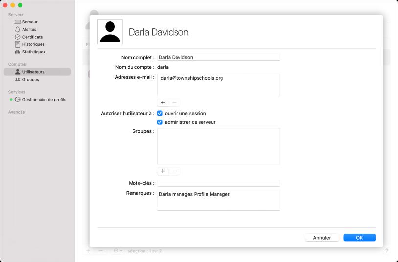 Les utilisateurs sont créés à l'aide de l'app Server et peuvent inclure des mots-clés et des notes concernant l'utilisateur.