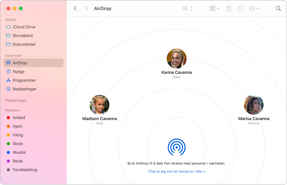 Et Finder-vindu med AirDrop markert i Favoritter-delen i sidepanelet.