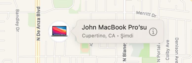 John MacBook Pro'su için Bilgi simgesinin yakından görünümü.