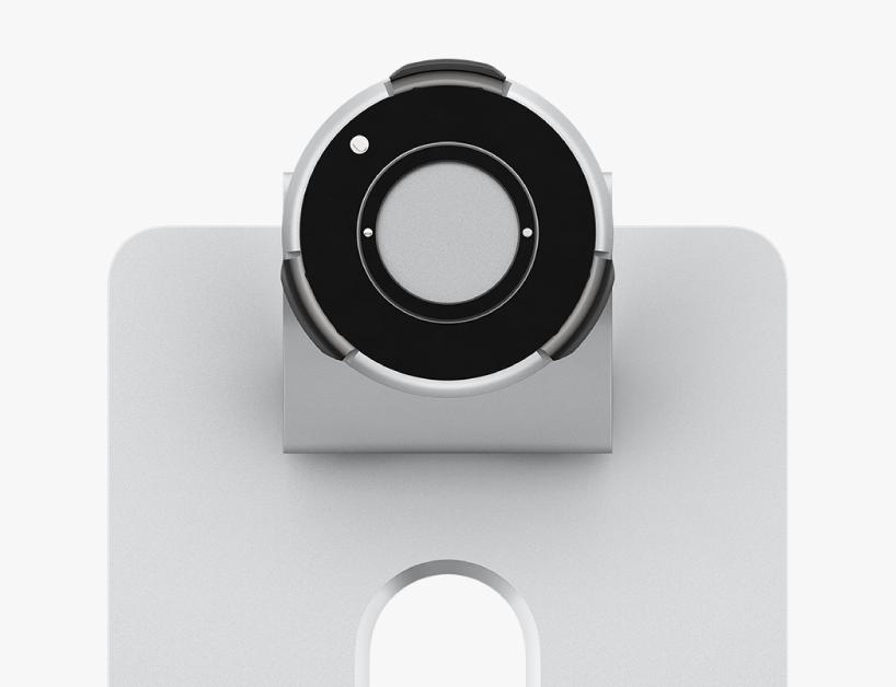 Se resalta el conector en la parte superior de la base ProStand.