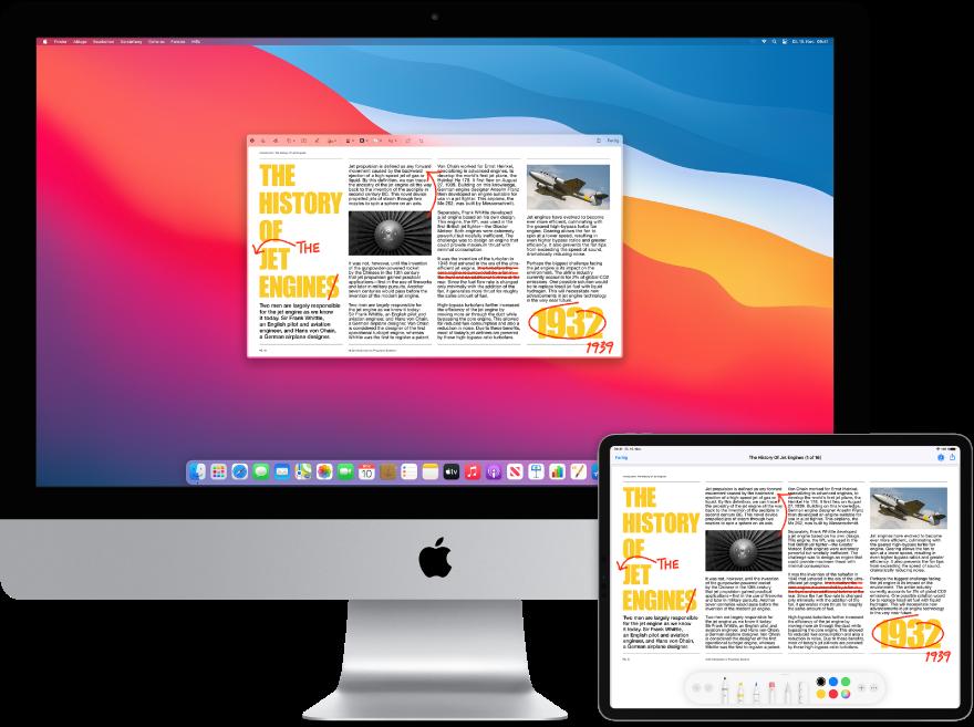Ein iMac und ein iPad nebeneinander. Auf beiden Bildschirmen wird ein Artikel mit roten Markierungen wie durchgestrichenen Sätzen und hinzugefügten Wörtern angezeigt. Auf dem iPad-Bildschirm werden unten Steuerelemente für Markierungen angezeigt.