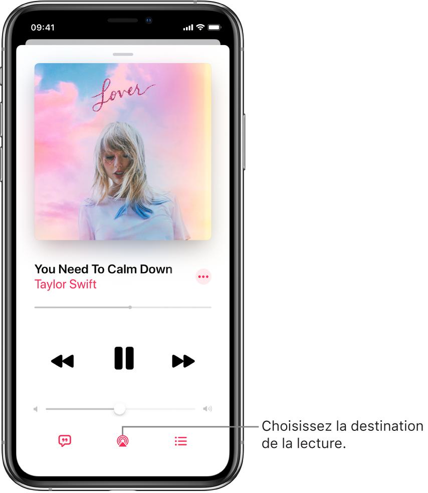 Les commandes de lecture sur l'écran À l'écoute pour Musique, notamment le bouton «Destination pour la lecture» en bas de l'écran.