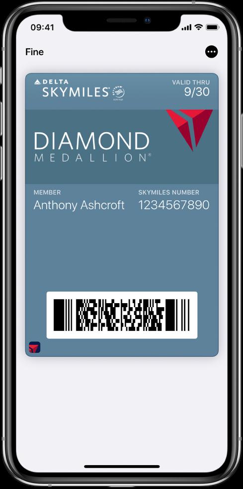 Una carta d'imbarco in Wallet con le informazioni del volo e il codice QR nella parte inferiore.