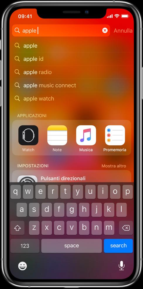 """Una schermata che mostra una ricerca su iPhone. In alto è visibile il campo di ricerca contenente il testo """"apple"""" e sotto sono mostrati i risultati trovati per il testo inserito."""
