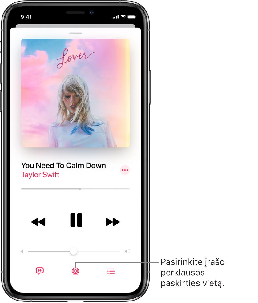 """Atkūrimo valdikliai """"Music"""" programos ekrane """"Now Playing"""", įskaitant mygtuką """"Playback Destination"""" ekrano apačioje."""
