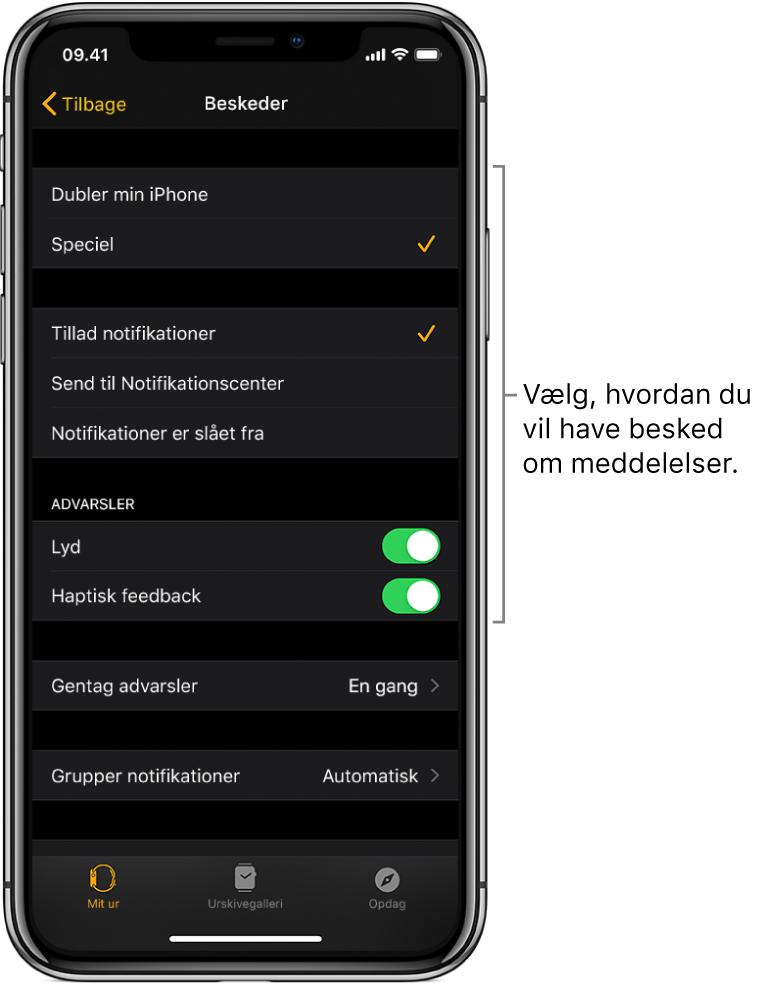 Indstillinger til Beskeder i appen AppleWatch på iPhone. Du kan vælge, om du vil have vist advarsler, slå lyden til, slå haptisk feedback til og gentage advarsler.