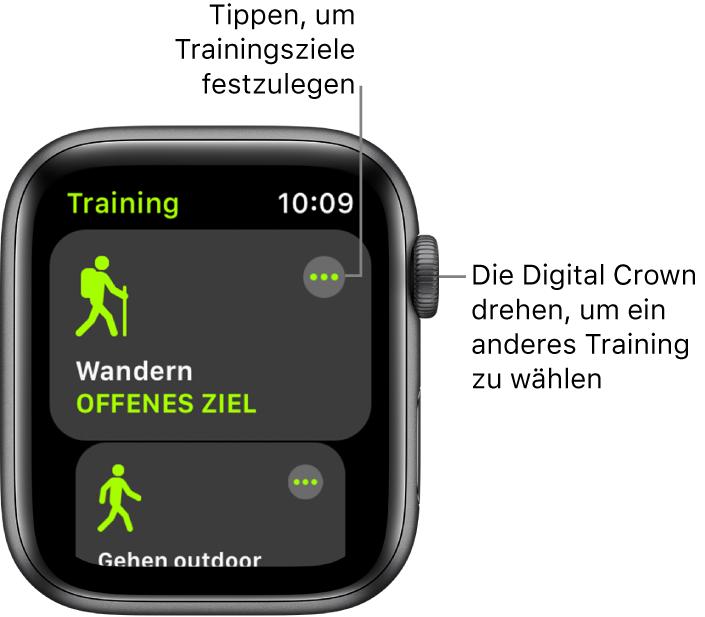 """Die App """"Training"""" mit hervorgehobenem Wandertraining. Die Taste """"Mehr"""" befindet sich oben rechts. Ein Teil des Outdoor-Lauftrainings darunter."""
