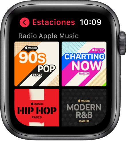 La pantalla Radio mostrando cuatro estaciones de radio de Apple Music.