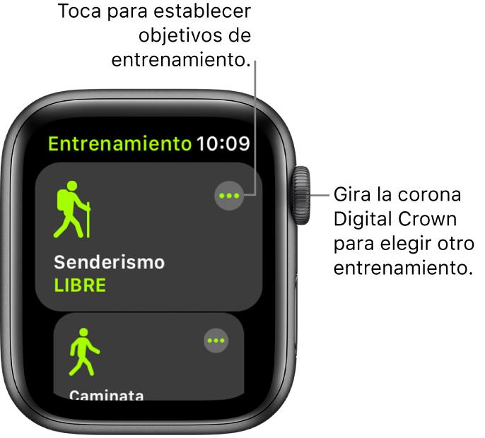 La pantalla Entrenamiento con la opción Senderismo resaltada. Hay un botón Más en la esquina superior derecha. Debajo se encuentra una parte de un entrenamiento Caminata.