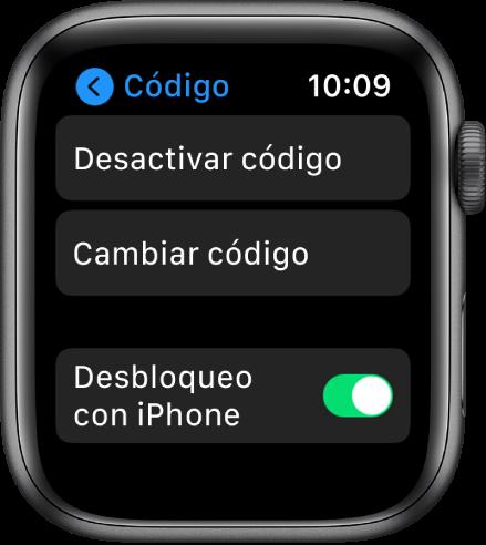 """Configuración del código en el AppleWatch, con el botón """"Desactivar código"""" en la parte superior, el botón """"Cambiar código"""" debajo y el interruptor """"Desbloqueo con iPhone"""" en la parte inferior."""