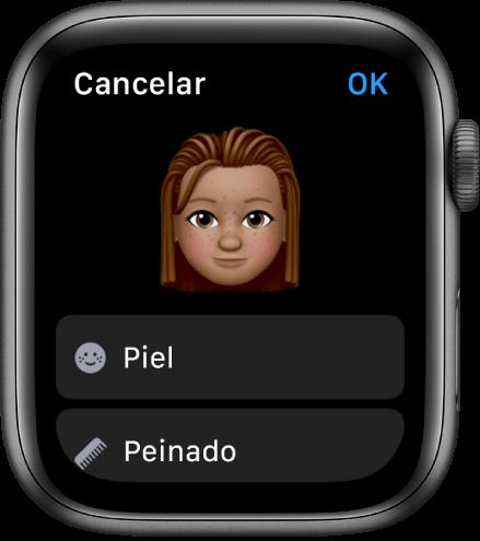"""La app Memoji del AppleWatch, con una cara cerca de la parte superior y las opciones """"Tono de piel"""" y Peinado debajo."""
