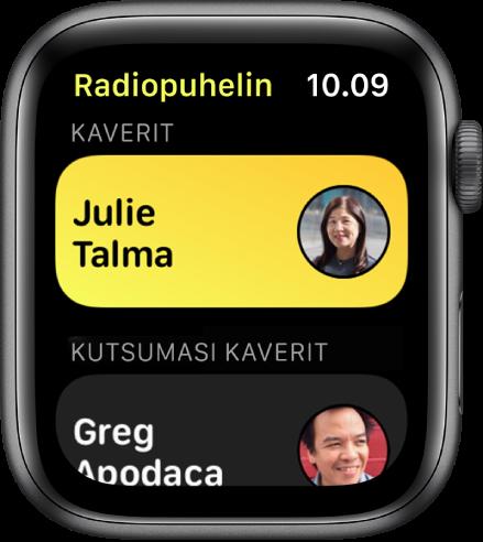 Radiopuhelin-näyttö, jossa näkyy yhteystieto lähellä näytön yläosaa ja kutsumasi ystävä alhaalla.