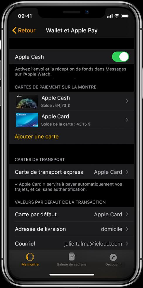 L'écran Wallet et ApplePay dans l'app Watch sur l'iPhone. L'écran affiche des cartes ajoutées à l'AppleWatch, la carte que vous avez choisi d'utiliser pour le transport express et les réglages de transactions par défaut.