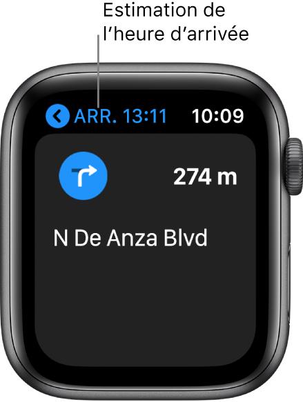 L'app Plans qui affiche l'heure d'arrivée prévue approximative en haut à gauche, le nom de la rue de votre prochain virage et la distance jusqu'à ce virage.