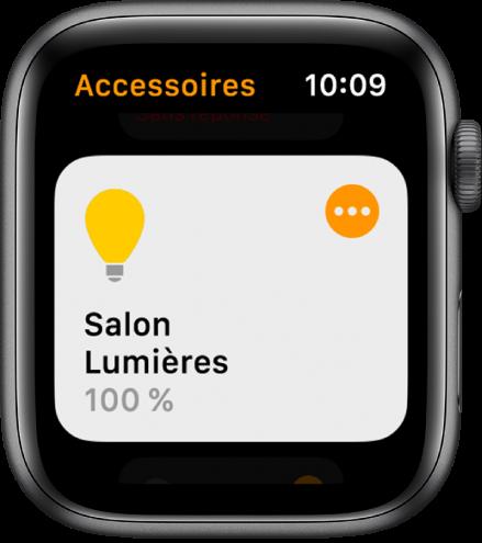 App Maison montrant un accessoire d'éclairage. Touchez l'icône dans le coin supérieur droit de l'accessoire pour ajuster ses réglages.