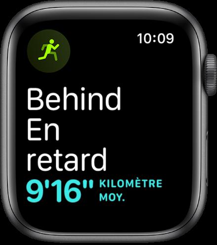 Un écran Exercice qui vous indique que vous courez à un rythme inférieur à celui à atteindre.