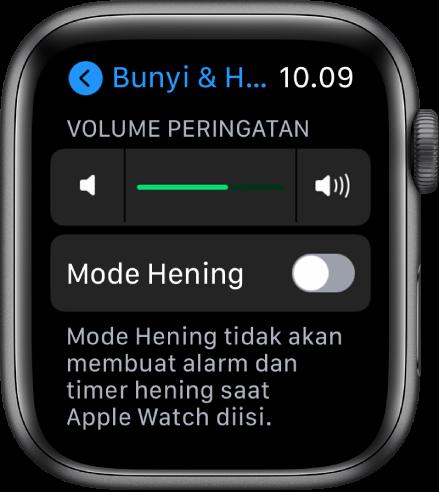 Pengaturan Bunyi & Haptik di Apple Watch, dengan penggeser Volume Peringatan di bagian atas, dan tombol Mode Hening di bawahnya.