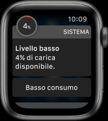 """L'avviso di livello di carica basso include un pulsante che puoi toccare per attivare la modalità """"Basso consumo""""."""