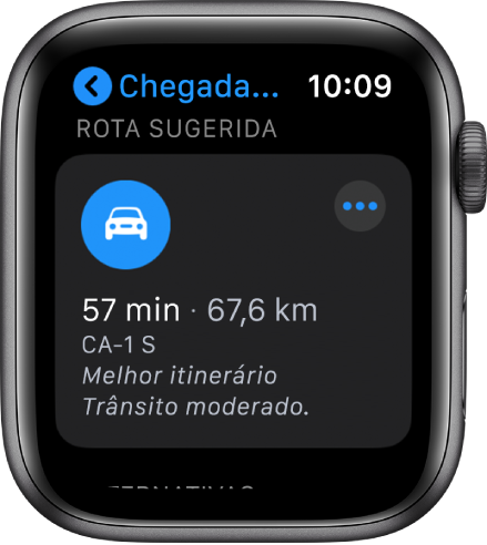 Aplicação Mapas com a rota sugerida com a distância calculada e o tempo de viagem até ao destino. No canto superior direito está o botão Mais.