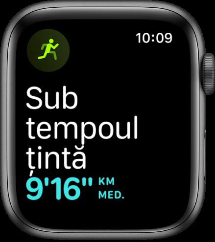 Un ecran Exerciții vă informează că alergați într‑un tempo sub tempoul țintă.