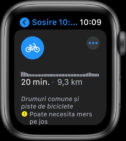 Apple Watch afișând itinerare pentru bicicletă, inclusiv un rezumat al diferenței de nivel de pe parcursul rutei, timpul estimat și distanța, precum și note despre eventualele probleme pe care le-ați putea întâmpina pe drum.