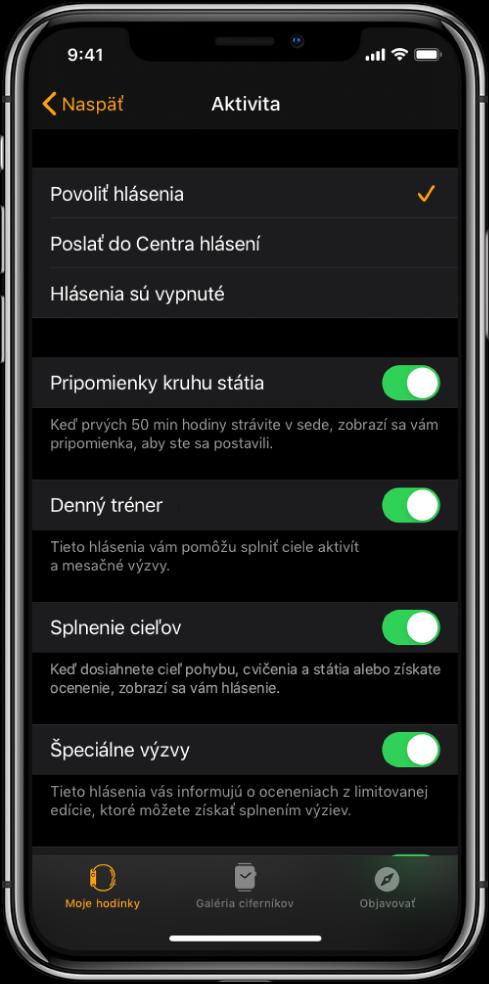 Obrazovka Aktivita vaplikácii AppleWatch, na ktorej si môžete vybrať hlásenia, ktoré chcete dostávať.