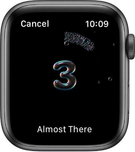 Zaslon umivanja rok odšteva od 3. Na dnu je prikazano besedilo »Almost There« (Skoraj končano).