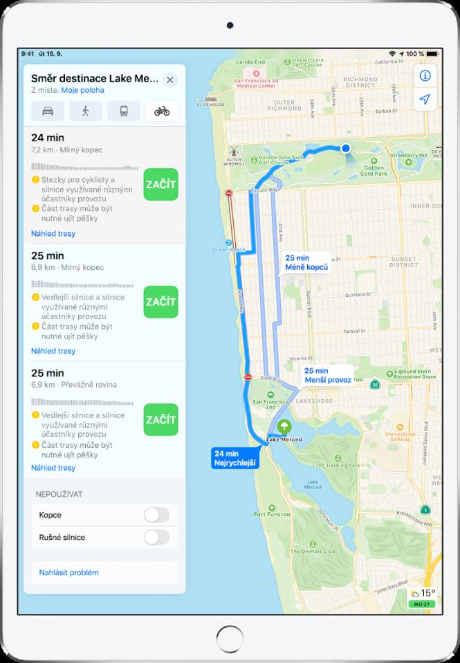 Mapa sněkolika cyklistickými trasami. Na kartě trasy na levé straně se zobrazují podrobné informace ojednotlivých trasách – odhadované doby jízdy, změny převýšení atypy cest. Ukaždé zvoleb na kartě trasy je vidět tlačítko Začít.