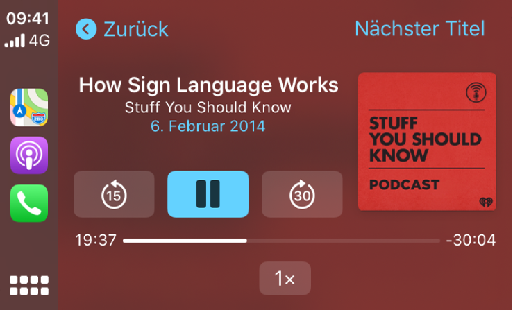 "Das CarPlay-Dashboard mit dem Podcast ""How Sign Language Works"" aus der Reihe ""Stuff You Should Know""."