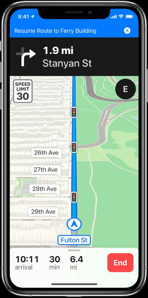 """Vairavimo nuorodų žemėlapis, ekrano viršuje pateikta mėlyna juosta, skirta tęsti kelionę maršrutu į """"Ferry Building""""."""