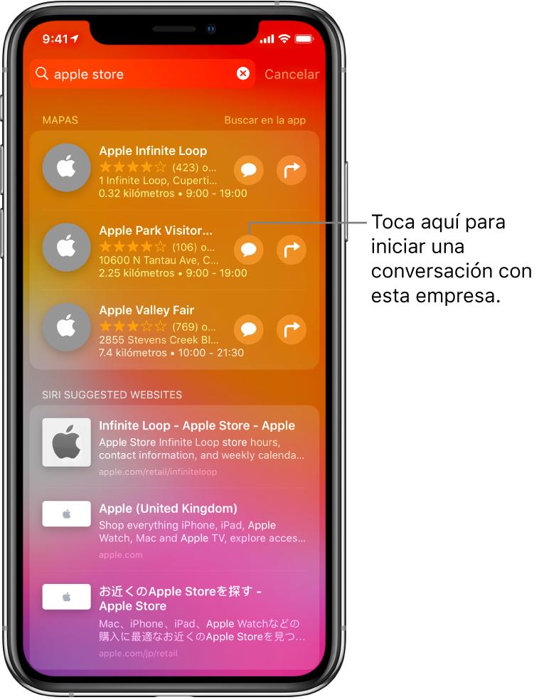 La pantalla Buscar mostrando los resultados de la búsqueda Apple Store en App Store, Mapas y sitios web. Cada elemento muestra una breve descripción, una calificación o dirección, y cada sitio web muestra una URL. El primer elemento muestra un botón que se puede tocar para iniciar un chat con Apple Store.