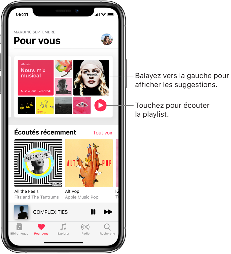 L'écran «Pour vous» affichant la playlist «Nouv. mix musical» en haut. Le bouton Lecture est affiché en bas de la playlist, à droite. En dessous se trouve la section «Écoutés récemment», montrant deux couvertures d'album.