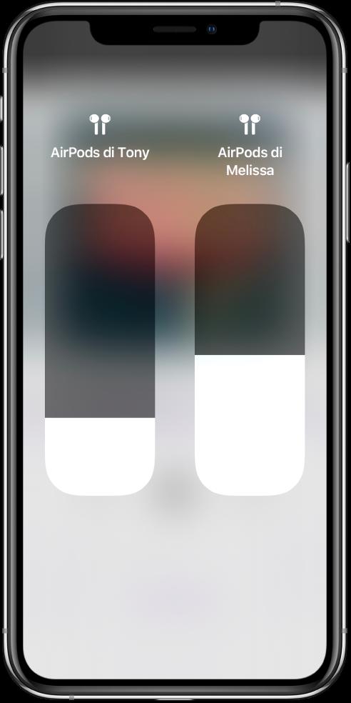 Controlli dei cursori di volume su due coppie di AirPods.