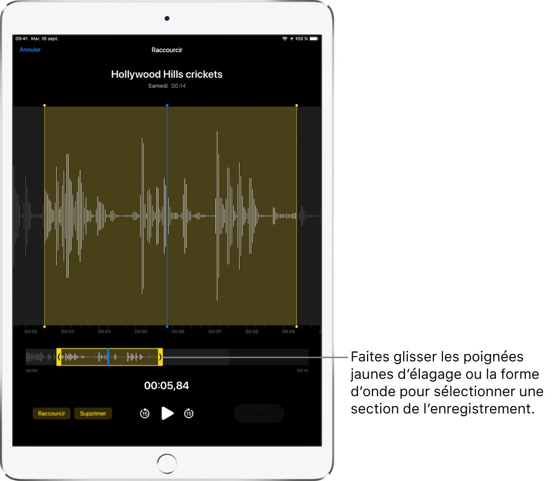 L'enregistrement en cours d'élagage, avec les poignées d'élagage jaunes encadrant une partie de la forme d'onde audio au bas de l'écran. Un bouton Lecture et la durée de l'enregistrement figurent sous la forme d'onde et les poignées d'élagage.