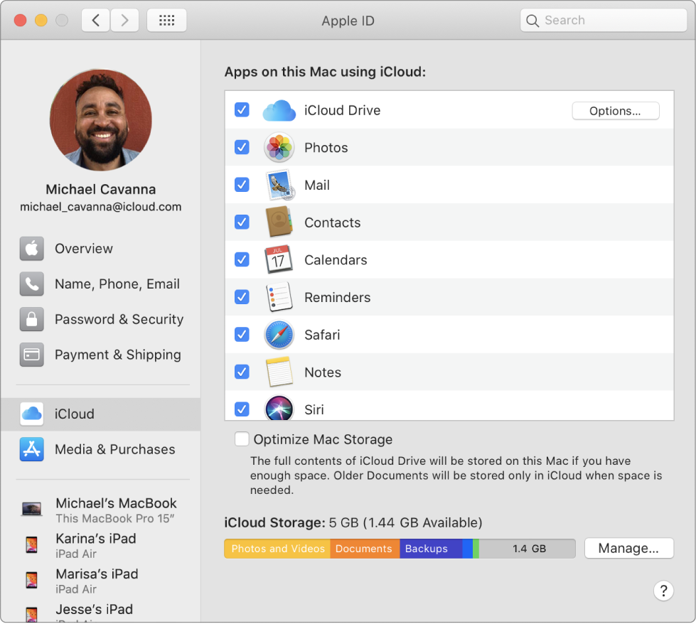 A Rendszerbeállítások ablak – az iCloud-funkciók kiválasztva.