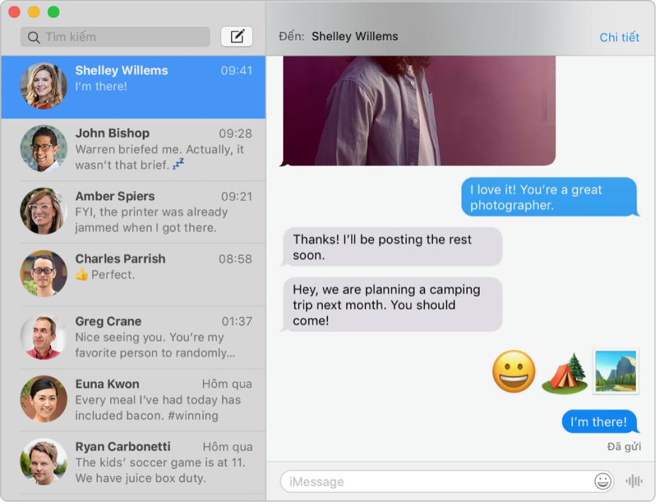 Cửa sổ Tin nhắn với một vài cuộc hội thoại được liệt kê trên thanh bên ở bên trái và một cuộc hội thoại đang hiển thị ở bên phải.