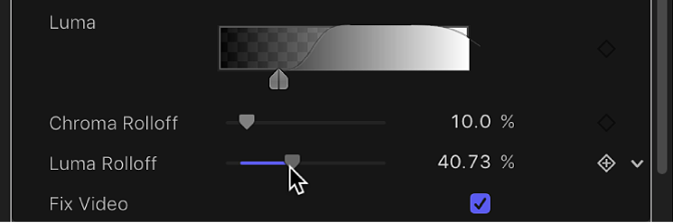 Adjusting the Luma Rolloff slider of the Keyer filter