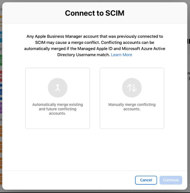 """La ventana """"Conectar a SCIM"""" de AppleBusinessManager que muestra las dos opciones para fusionar cuentas."""