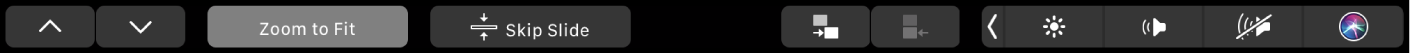 الـTouchBar الخاص بتطبيق Keynote وتظهر عليه أزرار الأسهم، وزر تكبير/تصغير للاحتواء، وزر تخطي الشريحة، وزر إزاحة الشريحة للداخل، وزر إزاحة الشريحة للخارج.