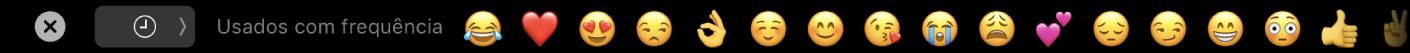 A TouchBar da aplicação Mensagens que mostra as opções de emoji mais utilizados e o botão para selecionar as diferentes categorias de emoji.