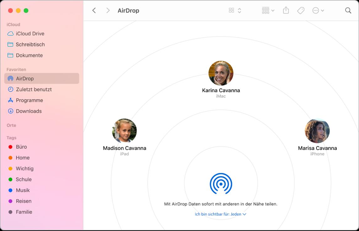 """Ein Finder-Fenster, in dem AirDrop im Bereich """"Favoriten"""" der Seitenleiste ausgewählt ist"""