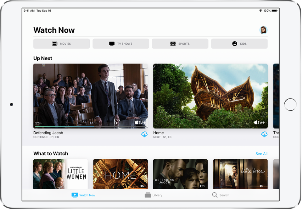 """Ekrāns Watch Now, kura augšējā rindā ir pogas Movies, TV Shows, Sports un Kids. Centrā atrodas rinda Up Next, zem kuras ir rinda """"What to Watch"""". Apakšējā malā no kreisās puses uz labo ir izvietotas cilnes Watch Now, Library un Search."""