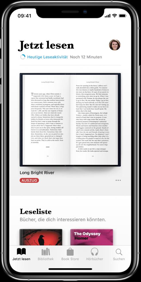 """Der Bildschirm """"Jetzt lesen"""" in der App """"Bücher"""". Unten auf dem Bildschirm sind von links nach rechts die Tabs """"Jetzt lesen"""", """"Bibliothek"""", """"BookStore"""", """"Hörbücher"""" und """"Suchen"""" zu sehen."""