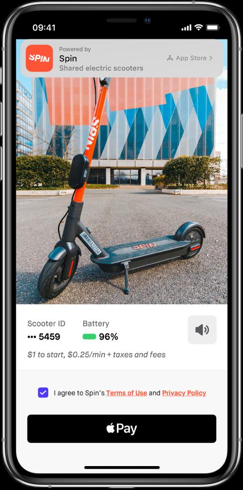 Un extrait d'app affichant le bouton ApplePay au bas de l'écran. Une bannière située en haut de l'écran contient un lien vers l'app dans l'AppStore.